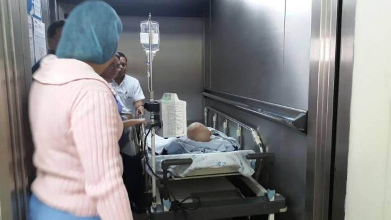 El niño de 6 años con un tumor cerebral fue operado en un hospital privado. Foto EDH / CORTESÍA