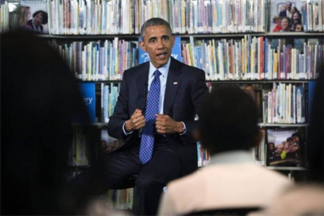 El presidente estadounidense, Barack Obama, responde a las preguntas de los estudiantes.