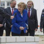 Angela Merkel, durante un acto de la compañía farmacéutica IDT Biologika. foto edh