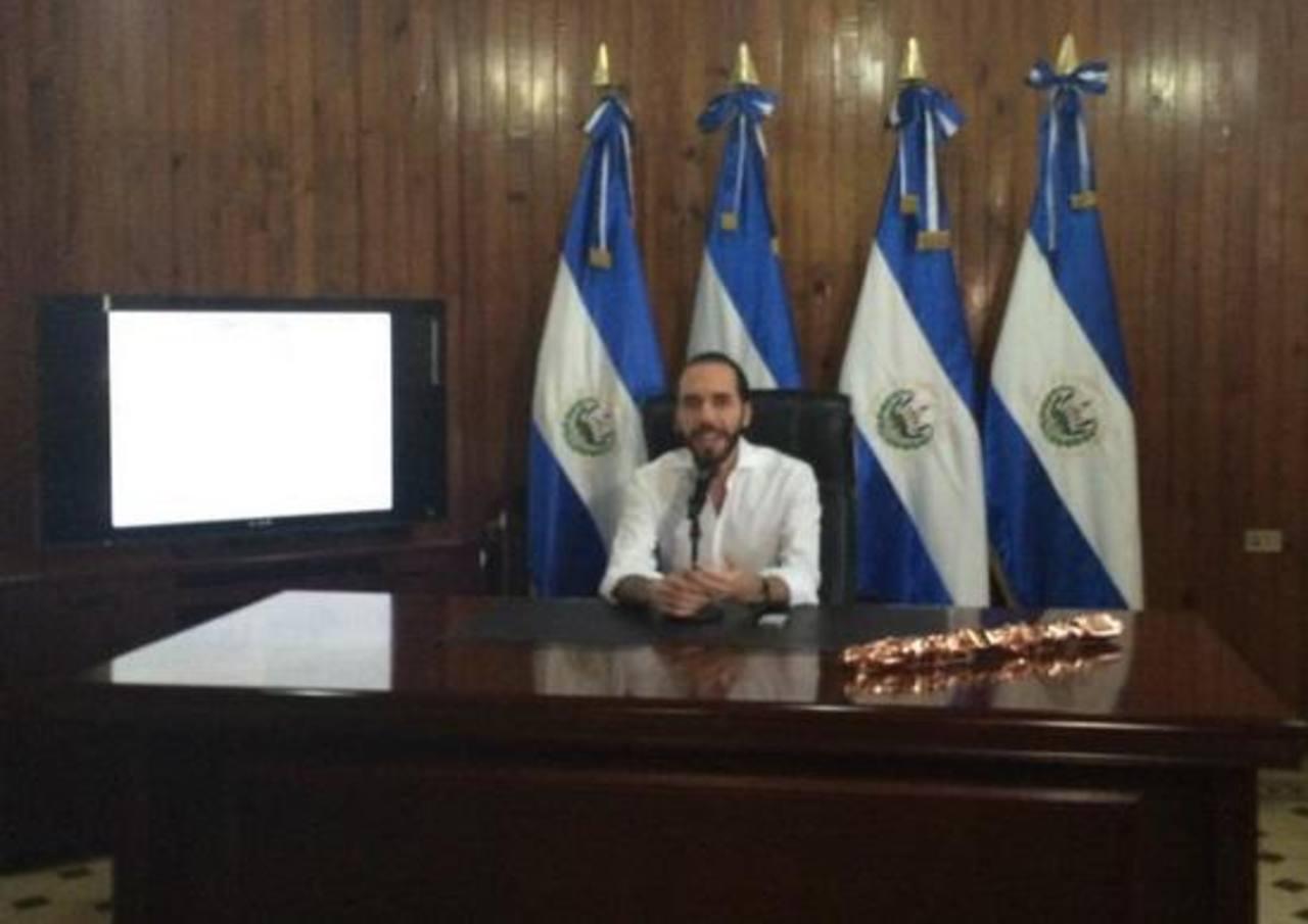 Nayib Bukele cambia escudo de la alcaldía de San Salvador