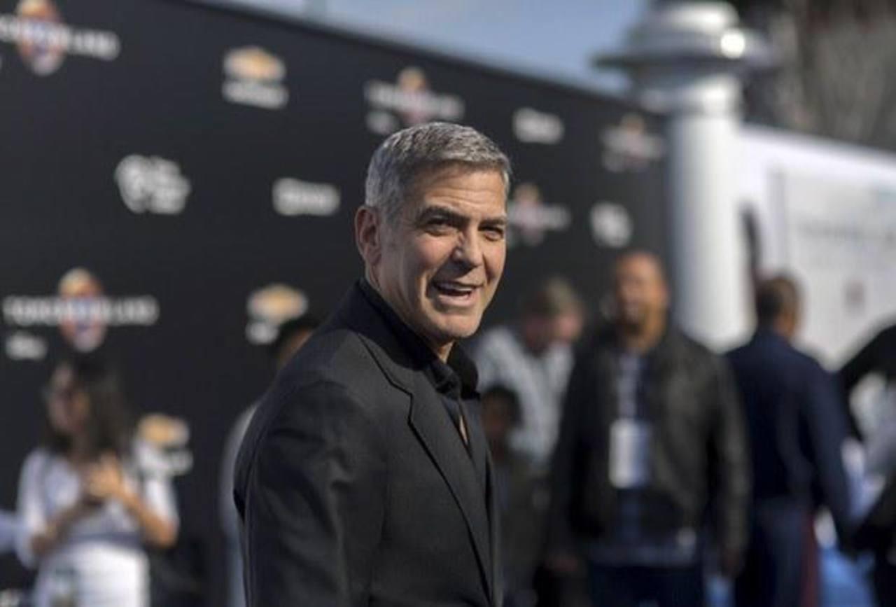 Clooney y astronautas celebran 45 aniversario de Apolo 13
