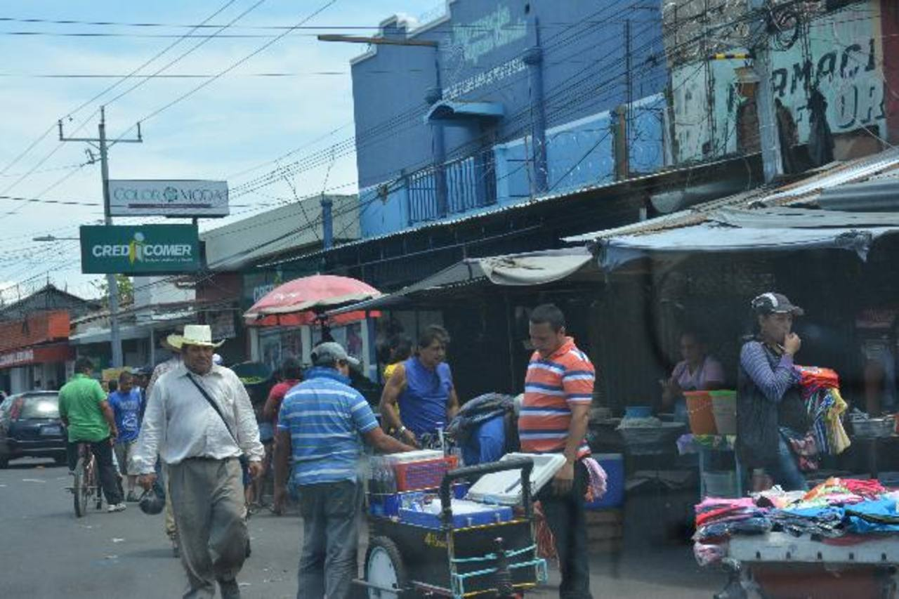 Se quejan por la proliferación de ventas en las calles