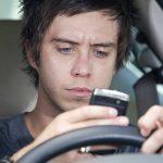 Muchas personas usan el móvil cuando manejan