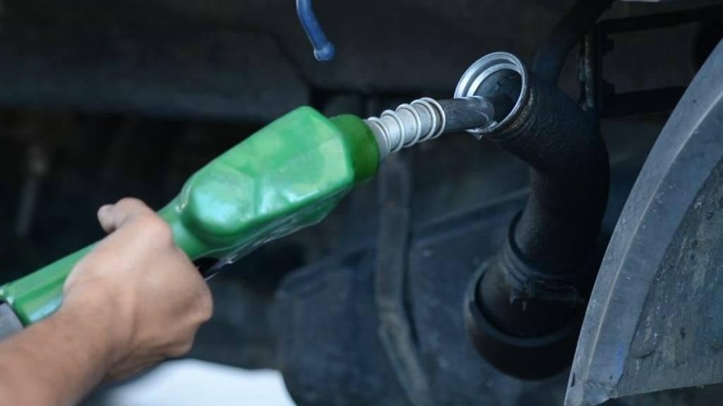 Variaciones en precios de combustibles