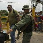 Venezuela cierra fronteras con Colombia