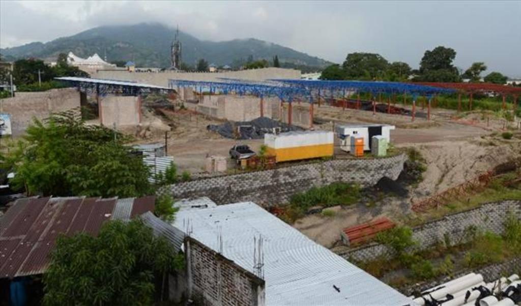 El funcionamiento de las terminales del Sitramss permitiría reordenar el tráfico y las diversas rutas que ingresan al centro de San Salvador
