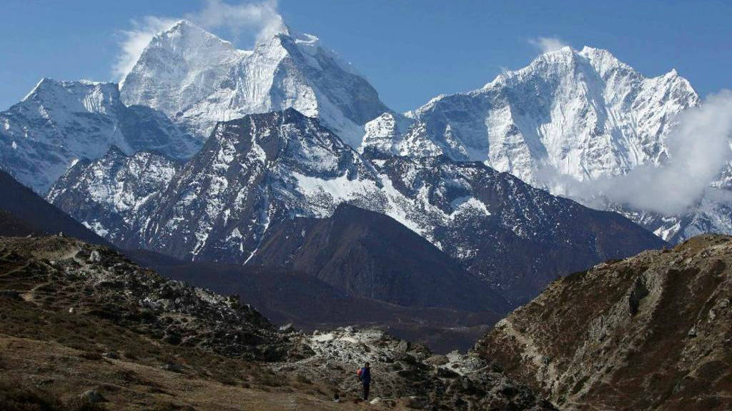 Japonés, el primero en escalar el Everest