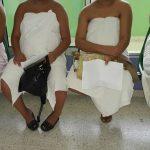 Pacientes del nuevo hospital de Maternidad se cubren con sábanas
