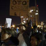 Guatemaltecos piden cabeza de Otto Pérez Molina