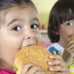 5 maneras de proteger a sus hijos de la obesidad infantil