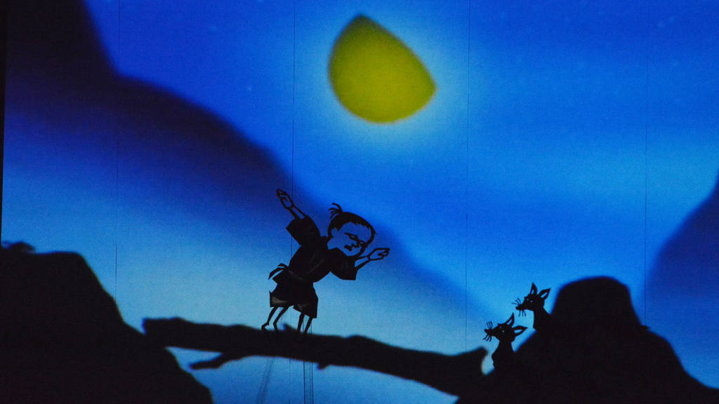 Sombras japonesas iluminaron el Teatro de Santa Ana