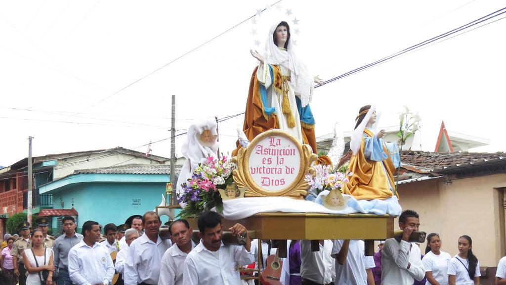 Ahuachapán celebra fiestas de La Asunción