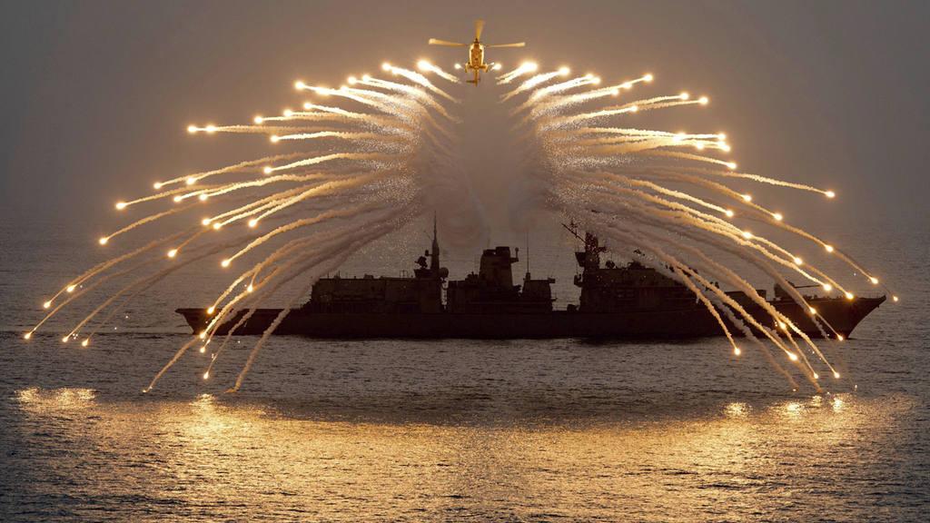 EL HMS RICHMOND DURANTE UNAS MANIOBRAS EN EL OC?ANO ÕNDICO