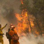 Incendios en California dejan un muerto