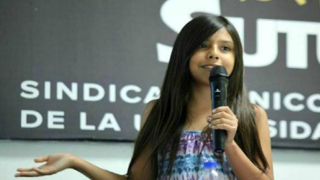 Niña mexicana de once años promueve la igualdad de género en un libro