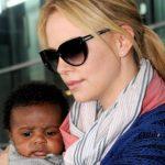 Charlize Theron adopta a su segundo hijo