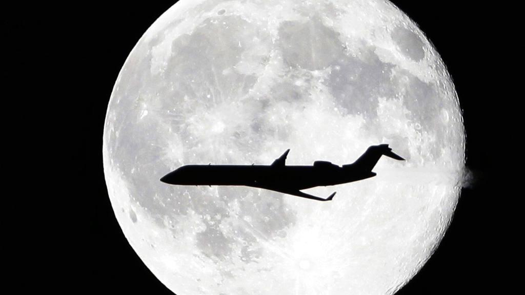 Blue moon over New York