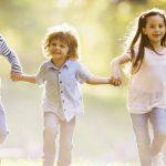 Una mamá adopta a las cuatro hijas de una amiga después de su muerte