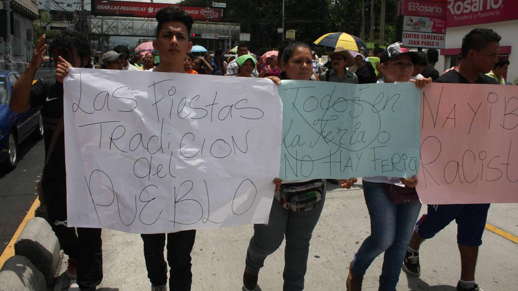 Protesta comerciantes y propietario de juegos mecanicos