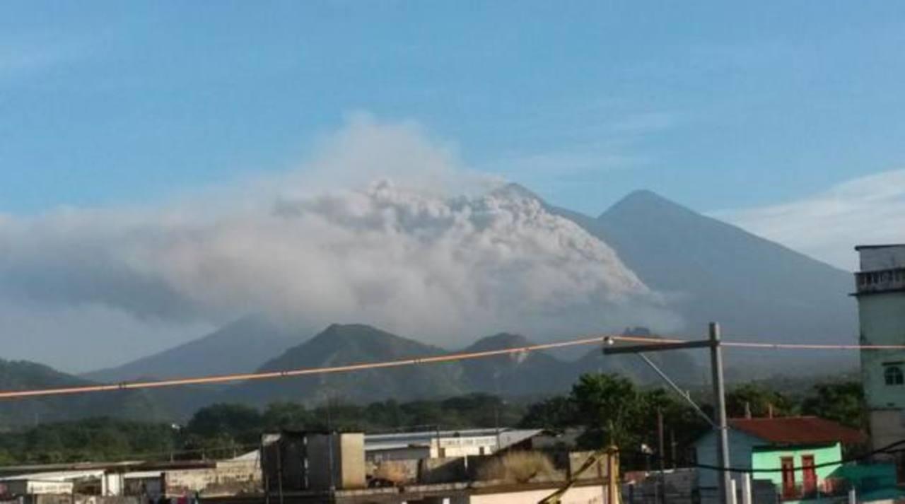 Volcán de Fuego de Guatemala i