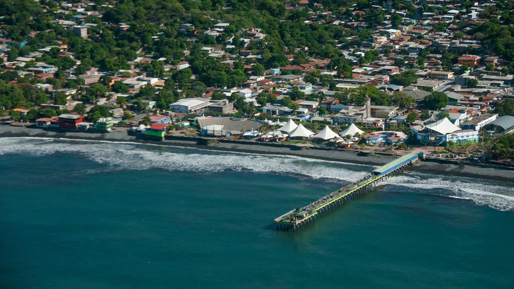 6 imágenes del litoral salvadoreño desde el aire