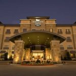 El hotel, que dispondrá de 120 suites en un edificio de 14 pisos, está previsto que abra sus puertas en 2017.
