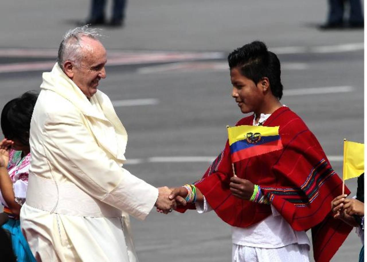 El papa Francisco arribó este domingo a Ecuador.