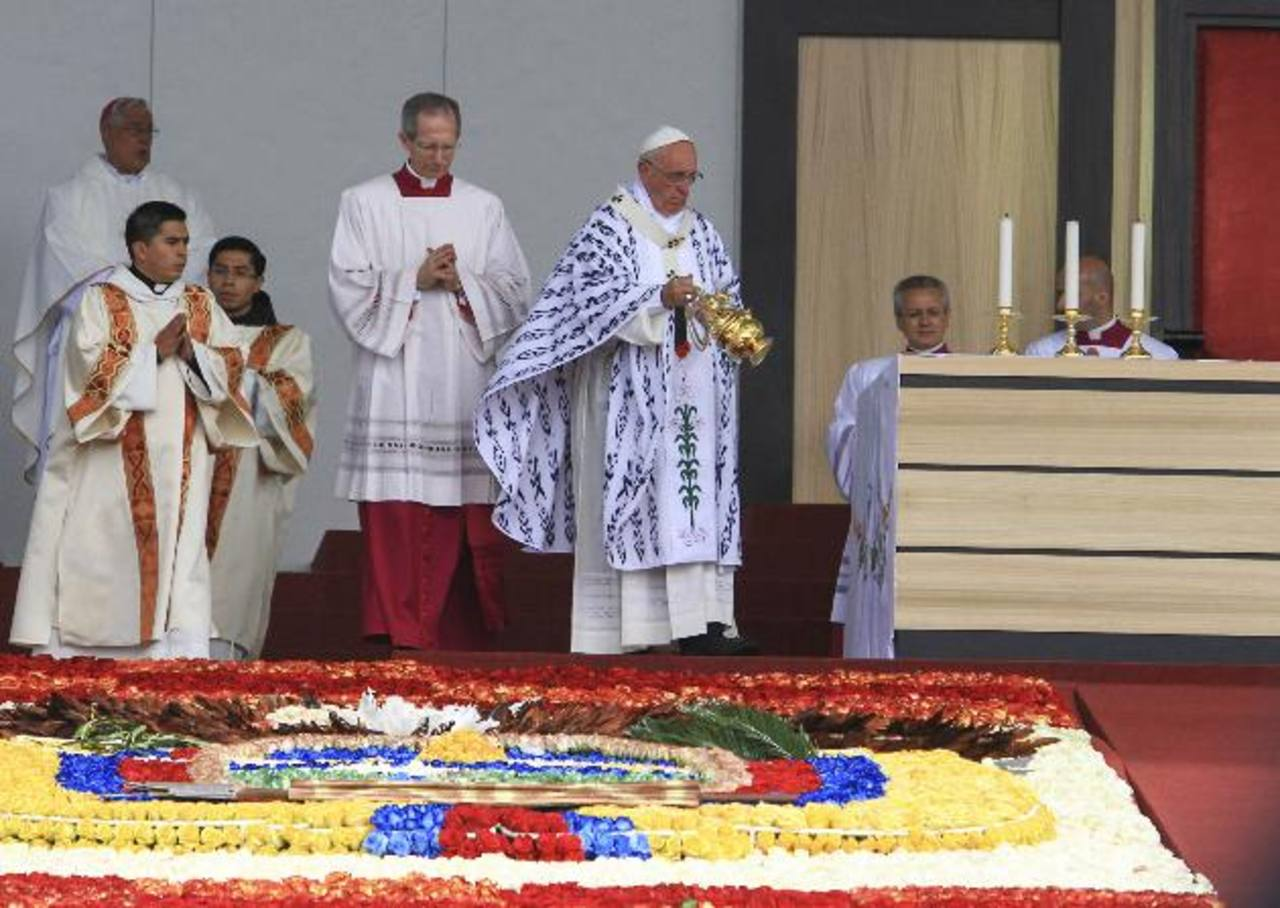 La homilía que pronunció el Papa Francisco en el parque Bicentenario de la capital ecuatoriana es la de mayor voltaje político, según medios sudamericanos.