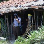 En esta casa de la lotificación Comalapa, cantón La Cuchilla, en La Paz, fueron asesinadas a balazos una madre y sus dos hijos, de 21 y 23 años. Foto EDH / Jaime Anaya