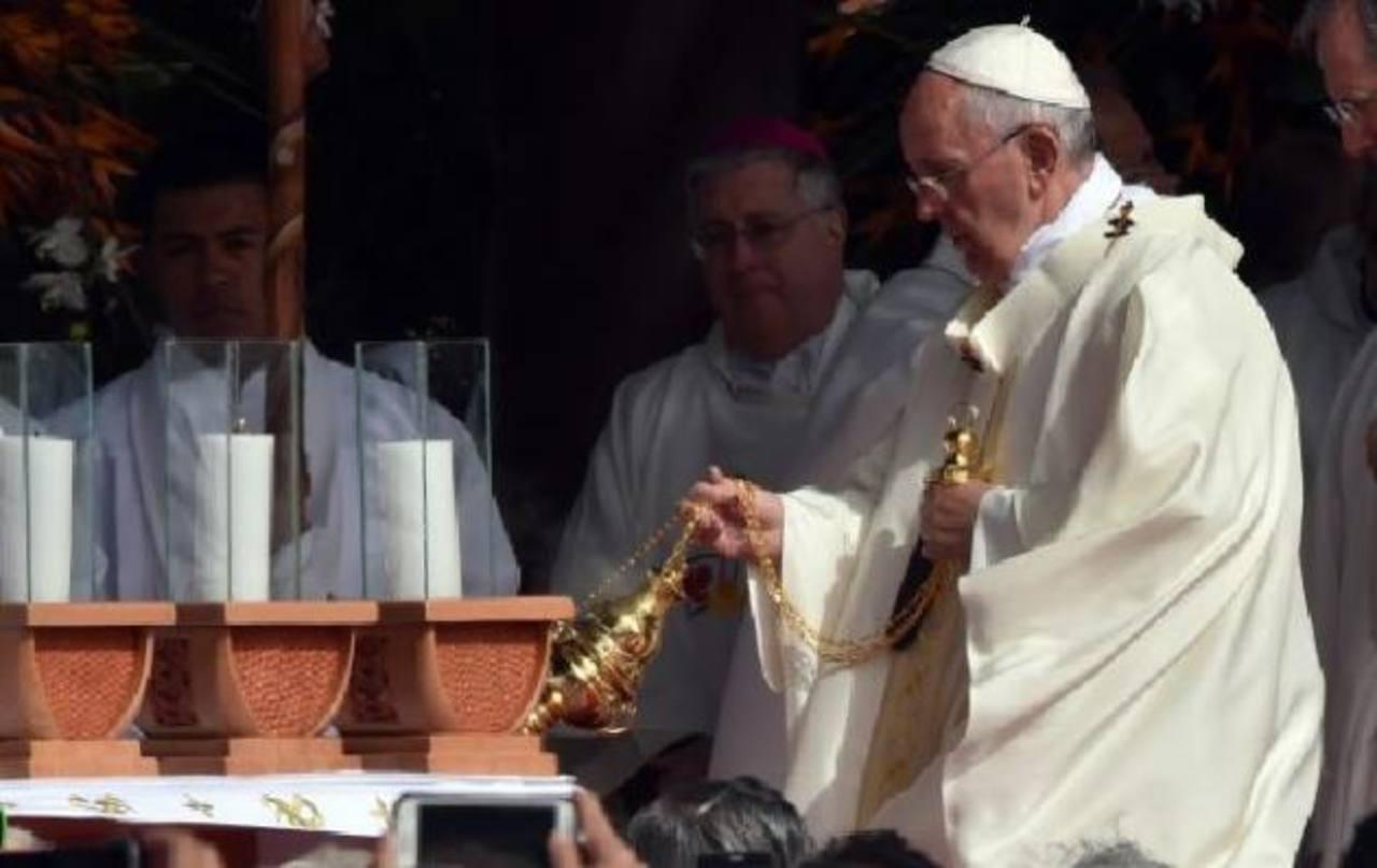 """El Papa clama en Bolivia: """"Basta de descartes"""""""