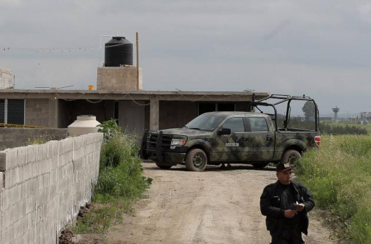 """Autoridades verificaron la vivienda en construcción que conecta con el túnel por el que escapó """"El Chapo"""" Guzmán."""