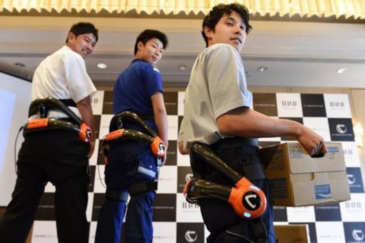 Los empleados llevarán los aparatos cuando realicen tareas como cargar y descargar equipaje.