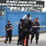 Juzgado especializado ordena detención provisional para cuatro implicados en ataque al Parlacen. Foto EDH / ARCHIVO.