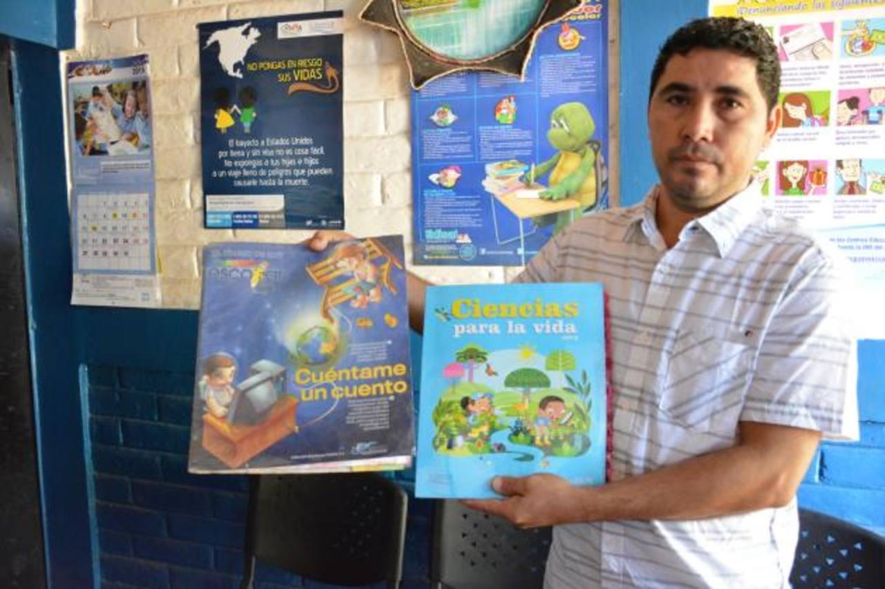 Raúl Gómez dice que su mayor objetivo es ayudar a la formación académica de cientos de estudiantes que como él, en su tiempo, se esfuerzan a diario por asistir a la escuela. Foto: Omar Martínez
