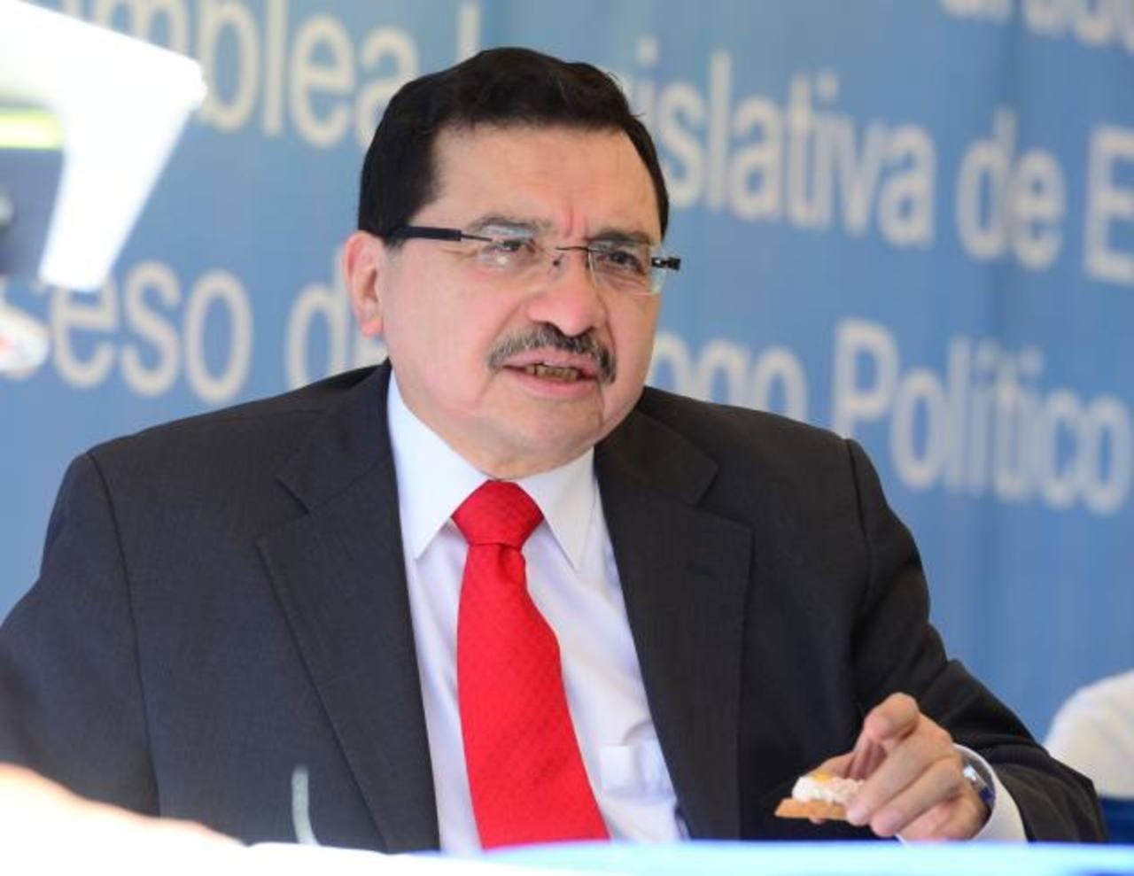 El secretario general del FMLN, Medardo González.