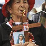 Los indígenas también fueron parte de la misa campal en el parque Bicentenario de Ecuador. Foto EDH