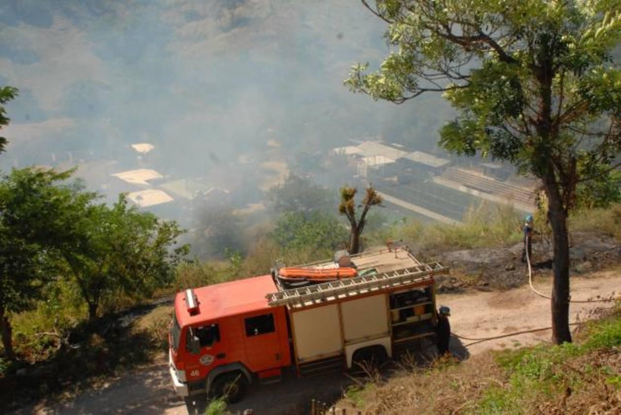 Durante el incendio ocurrido el pasado 1 de julio, el personal de bomberos no pudo utilizar el equipo debido a desperfectos en la motobomba. foto edh / archivo