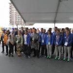 Atletas y delegados nacionales durante la izada del Pabellón Nacional. Foto EDH/ Cortesía Coes