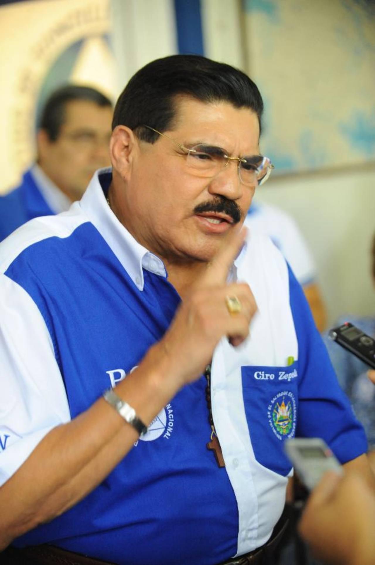 Ciro Cruz Zepeda busca que el PCN, bajo su dirección, resurja a la vida política.