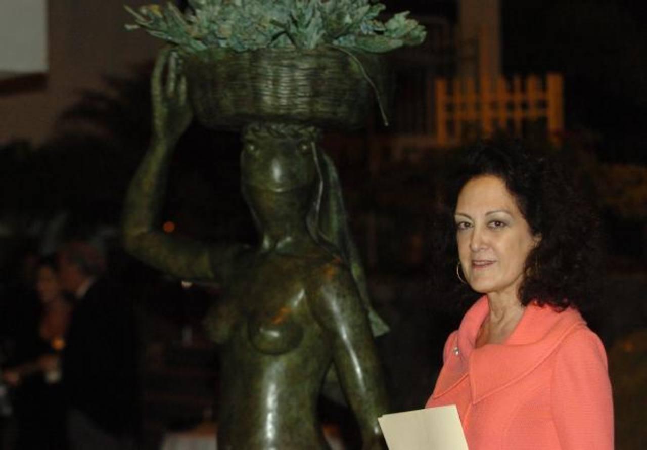 La pintora y escultora salvadoreña se ha destacado en la escena nacional e internacional. Foto EDH / Archivo