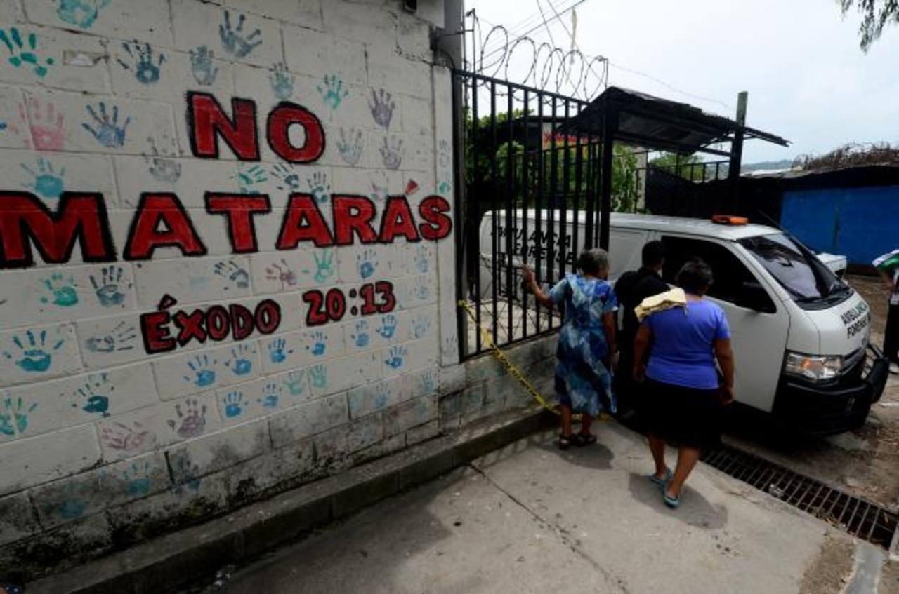Miguel Ángel Ayala, de 57 años, fue asesinado frente a su casa en Soyapango.