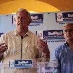 El consejero del Departamento de Estado de EE.UU., Thomas Shannon y el presidente de Guatemala, Otto Pérez Molina, participan en una rueda de prensa.