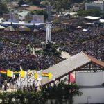 Imagen del parque de Cristo Redentor, en Santa Cruz de la Sierra, en la misa multitudinaria que celebró ayer el Papa Francisco. Foto EDH / EFE