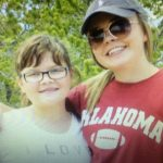Katie Nickens y su hermana Maddie
