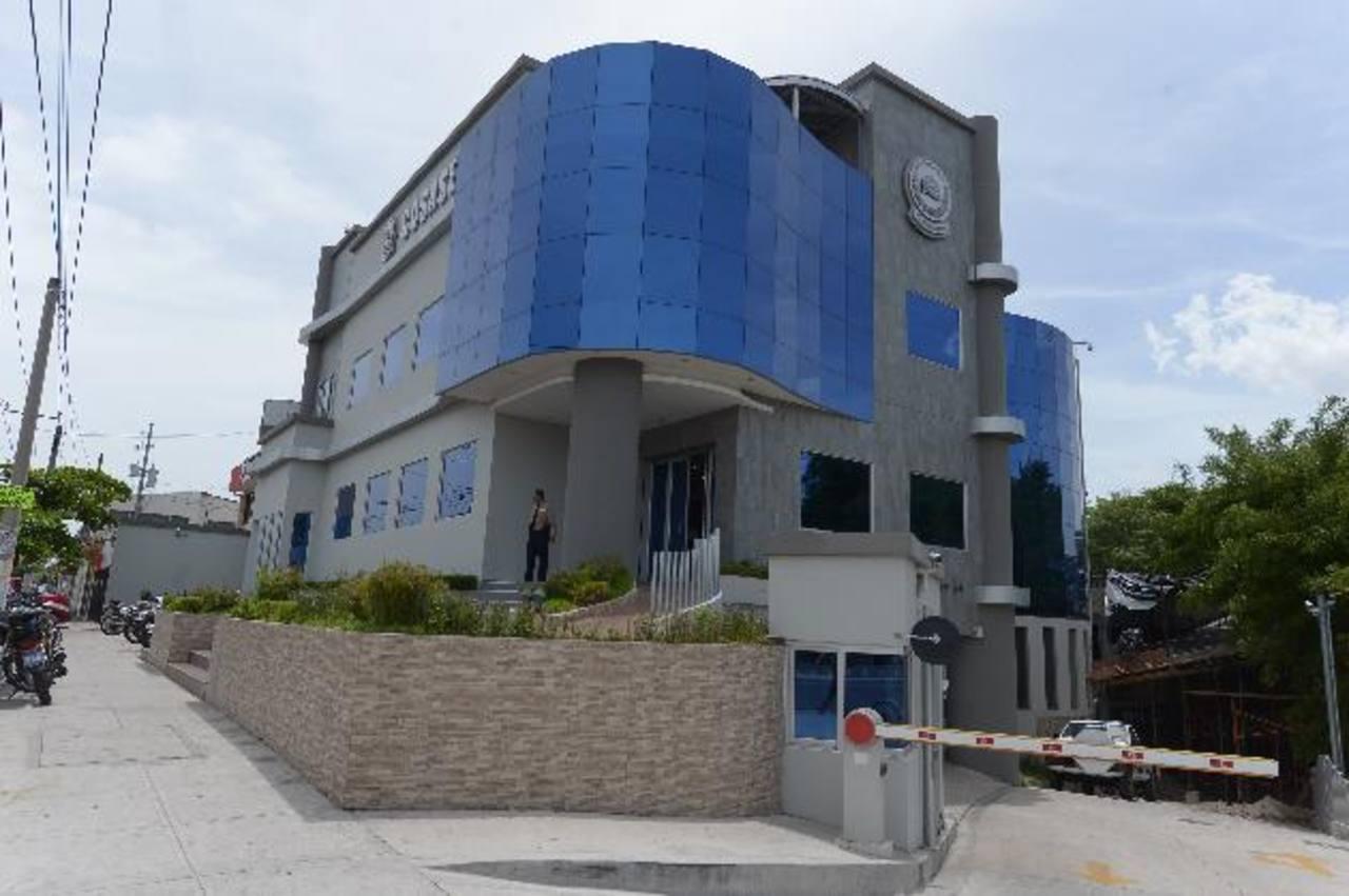 Las oficinas de Cosase cuentan con un área exclusiva de monitoreo y con agentes de reacción . foto EDH / Leonardo González