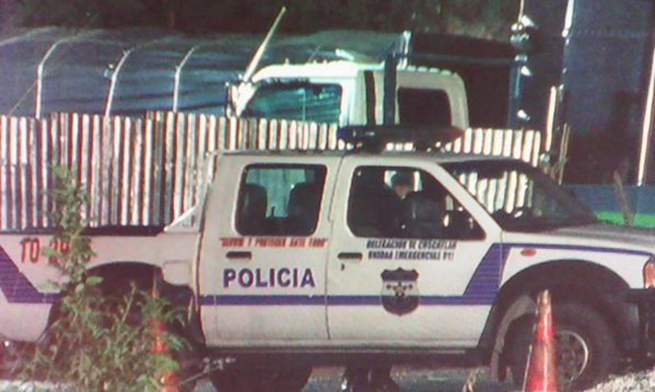 Pandilleros atacaron puesto policial en Cojutepeque, cuando víctima esperaba a hija afuera de gasolinera. Foto EDH / @VictorH_TCS