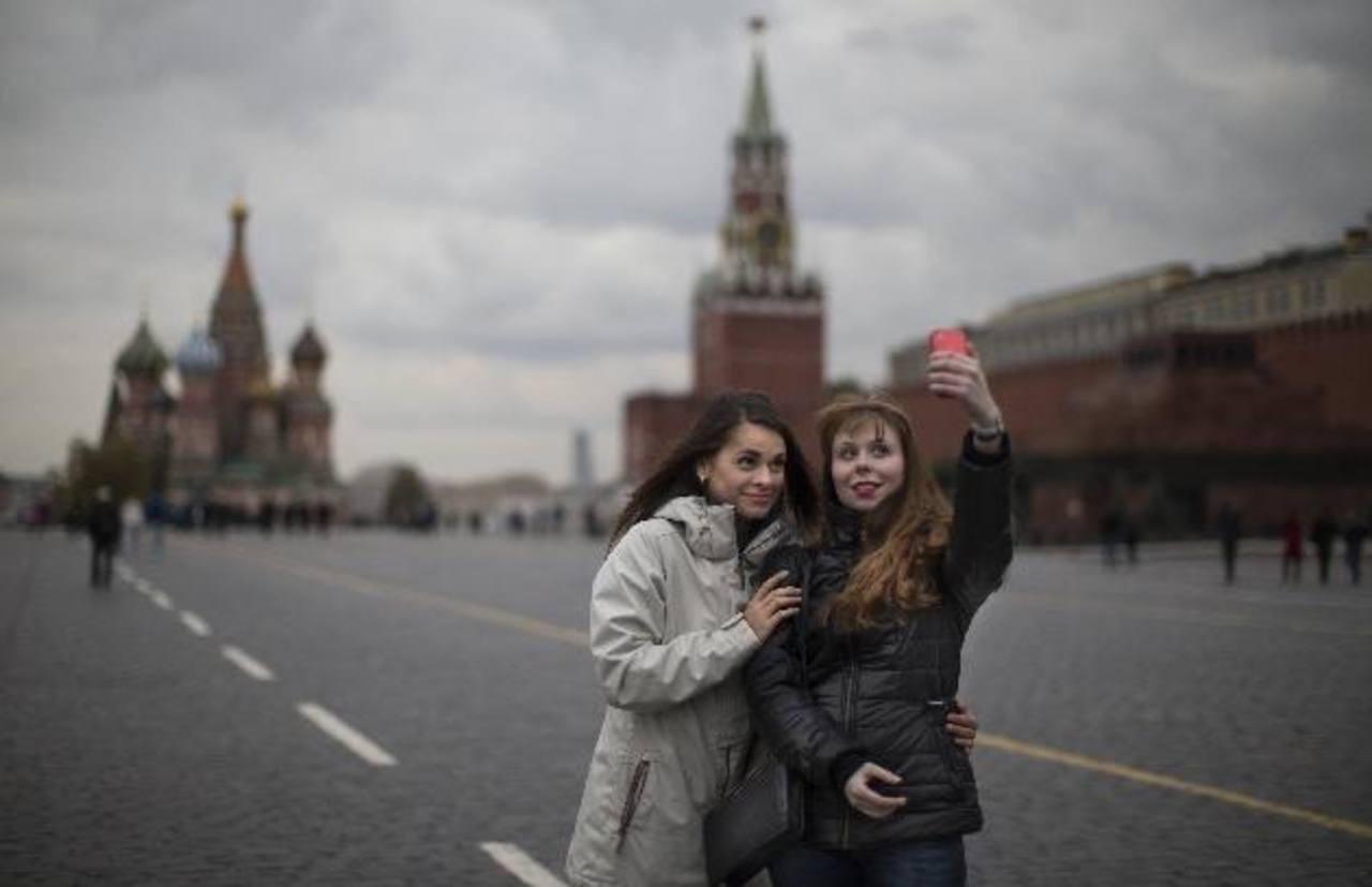 """Rusia lanza campaña para tomarse selfies """"seguras"""""""
