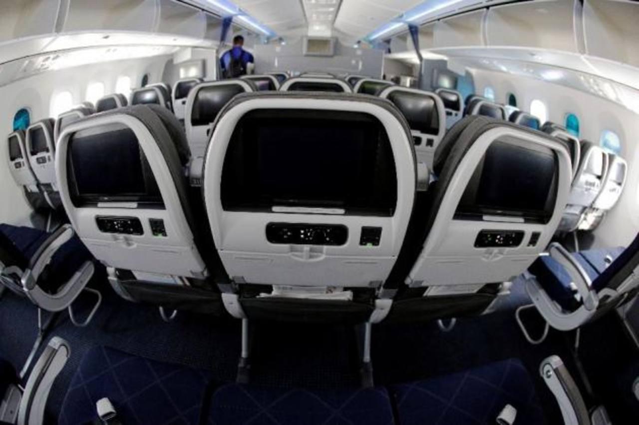 United Airlines reanuda sus vuelos tras dos horas suspendidos por un ...