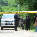 En el cantón El Tránsito 2 de Tonacatepeque asesinaron dos empleados de funeraria, mientras trabajaban. Foto EDH / Mauricio CÁCERES