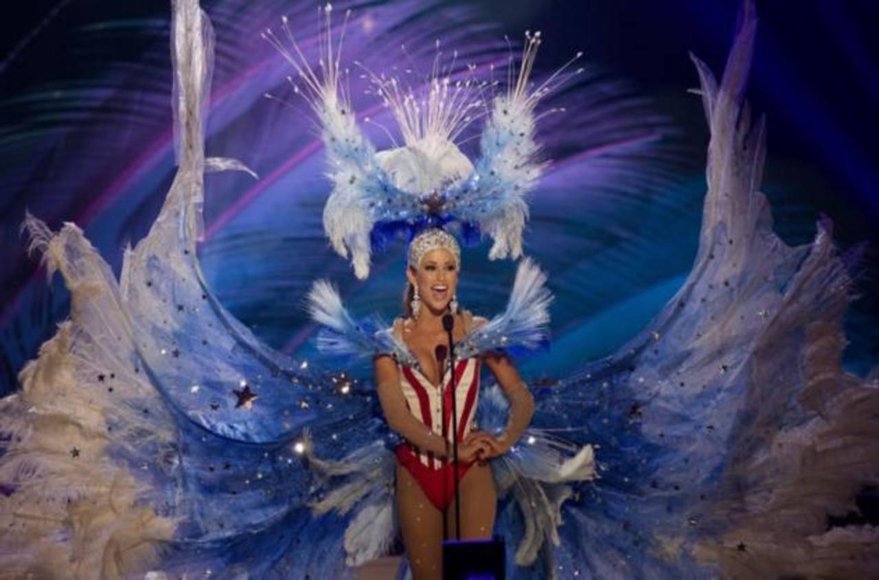 Nia Sánchez, la actual Miss EE. UU. Se desconoce cómo se adquirieron los derechos de transmisión que poseía NBC.